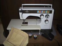 Husqvarna 6370 Sewing machine, with Carrying Case