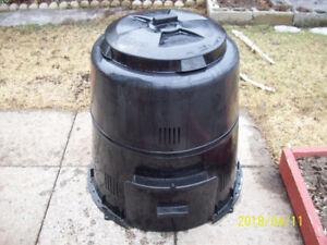 Earth Machine composter / composteur Earth Machine