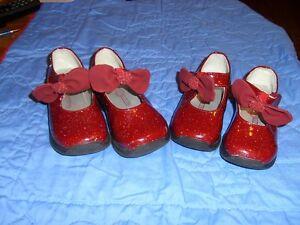 Burgundy Glitter Bow Dress Shoes - Sizes 5 & 7