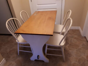 Vintage kitchen table and chairs