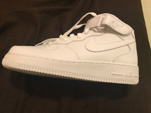 Nike Men's AirForce 1. Mid 07 Hi -Top Trainers.