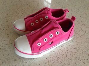Sneakers, size 9