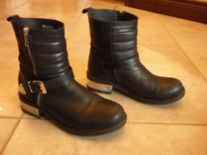 Aldo all leather black boots with silver trim. Size 7 Eur 37.