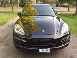 2012 Porsche Cayenne fully load Low Mileage in  Mint condition..