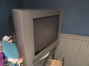 36 inch JVC D-Series Television Cornwall Ontario image 3