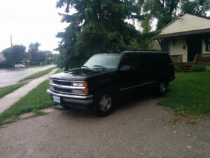 For sale 99 Chevy suburban