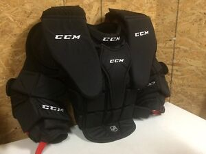 Senior goalie equipment