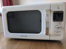 Daewoo Retro Microwave - cream