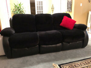 *Black Leather/Velvet 3-2-1 Sofa Set!*