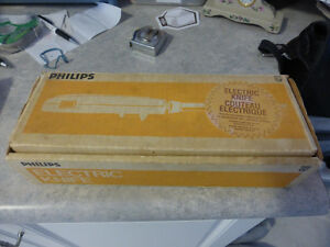 Vintage Philips Electric Carving Knife - Model # KB5237 Gold