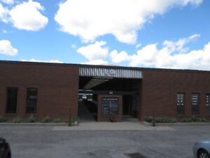 250 Don Park Rd Industrial Unit for Rent! 1200 sq ft, Only $1625