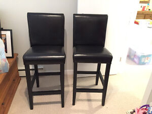 Black Leather Bar Stools! Like New! So comfortable!!