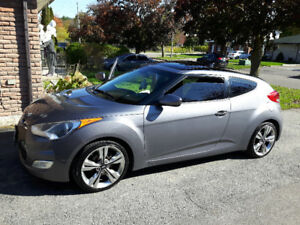 2012 Hyundai Veloster Technology Package Hatchback