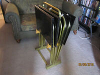 Set Of 4 TV Tables With Holder For Sale