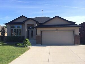 Upscale Lasalle home with rooms for rent