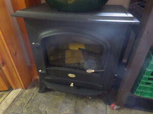 Indoor free standing electric fireplace - like new