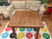 Dining table and chair set