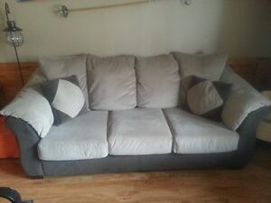 Sofa/couch 4 sale