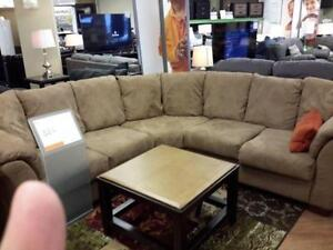 *** USED *** ASHLEY DARCY MOCHA SECTIONAL   S/N:51211367   #STORE548