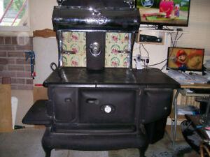 ancienne cuisinière au bois négociable