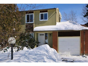 OPEN HOUSE SUNDAY Mar 26th 2-4 : 2 Bed Townhome No Condo Fees