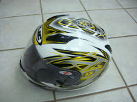 HJC helmet size medium. only used once (bought wrong size)