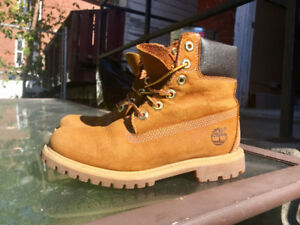 Size 6 - Brown Timberland Boots in great condition