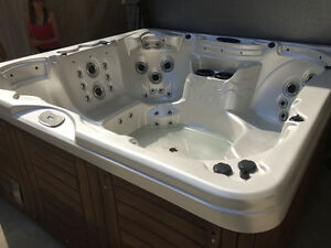 Hot tub-spa- seats 7-