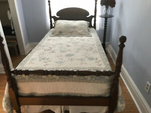 Antique Bed-single