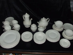 """$200  For Vintage WEDGWOOD PORCELAIN CHINA """" WILLOW WEAVE"""