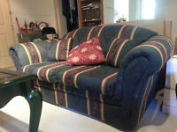 SOFA ET CHAISE ** NEGOCIABLE **