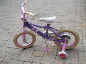 Bicycle girls 14 inch by Avigo like new in perfect condition