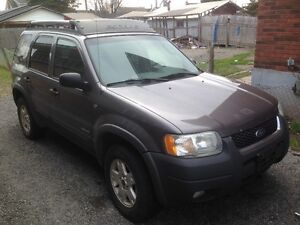 2002 Ford Escape xlt SUV, Crossover(REDUCED)