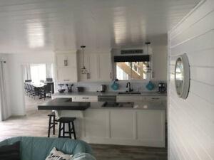 Beautiful, Modern 8 Bedroom Luxury Island (Last-minute sale!)