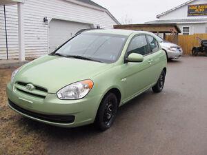 2010 Hyundai Accent GL Coupe (2 door)