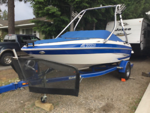 2011 Glastron GT185 fish and ski