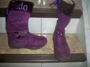 running shoes ,boots and rain boots Windsor Region Ontario image 3