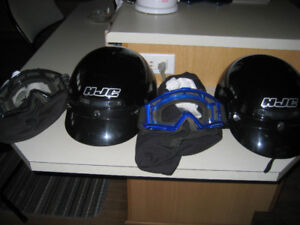 casque de moto plusieurs