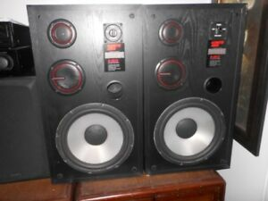 Large Three way speaker 12 inch poly woofer
