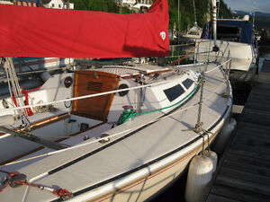 Sail Boat - excellent condition - new sails