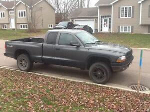 2004 Dodge Dakota sport v8 4400 OBO!!