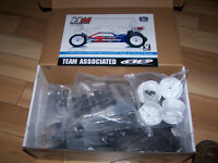 1/10 Team Associated B5 buggy offroad téléguidé tamiya,losi,xray