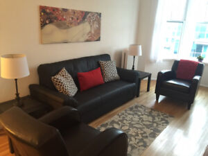 Lovely 1 Br Suite, SeaBus, Lonsdale Quay, North Vancouver