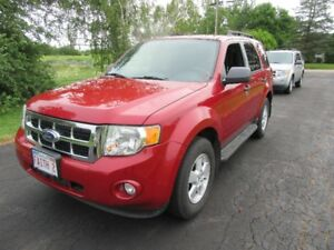 2010 FORD  ESCAPE XLT  AWD  ONLY 106 000 KM  LOADED