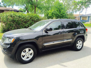 2011 Jeep Grand Cherokee Laredo 4x4 V6 Eco Great on Gas!!