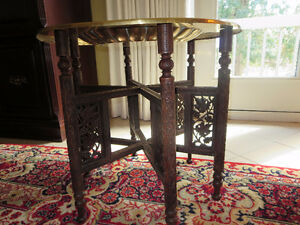 ANTIQUE ROUND BRASS TOP TRAY TABLE
