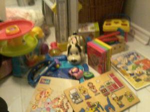 Lot de jouets de bébé