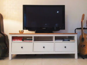TV Bench / TV Stand / Entertainment Center