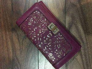 Fuchsia wallet with gold design