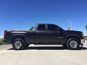 2014 GMC Sierra - Double Cab 4x4 5.3 V8 52,000km MINT